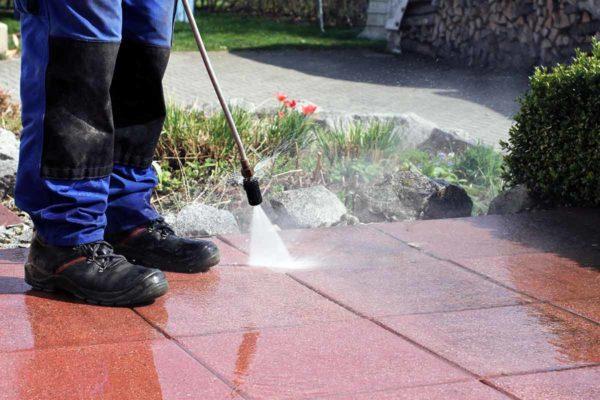 Professionelle-Terrassenreinigung-Kosten