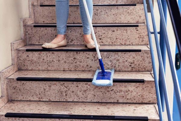 Reinigung-Treppenhaus-Kosten