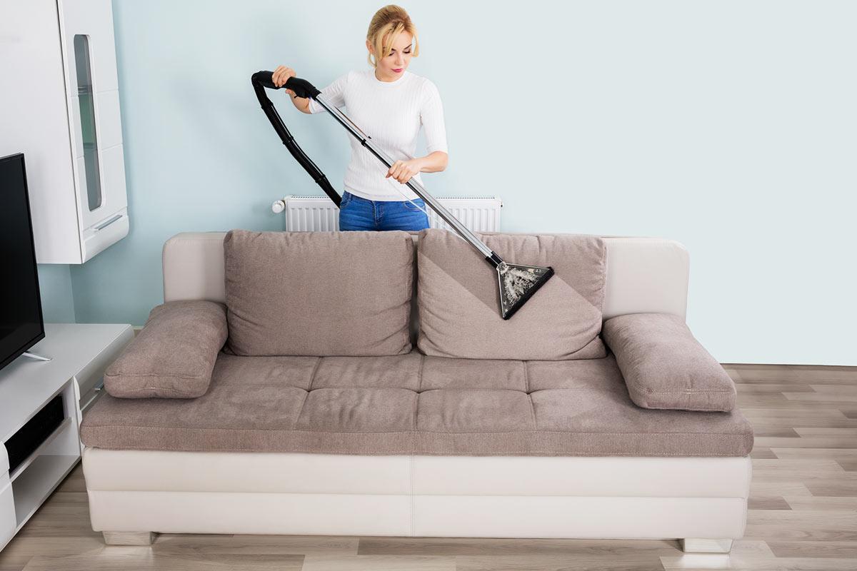 Sofa-Polster-reinigen